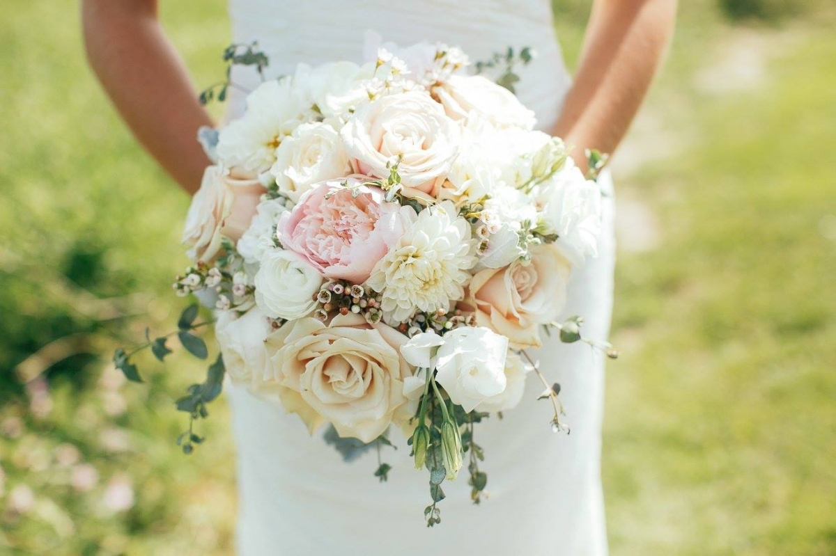 As You Wish Floral Design Early Spring Wedding At The Hy: Rockcastle Wedding Flowers, Wedding Flower Photos